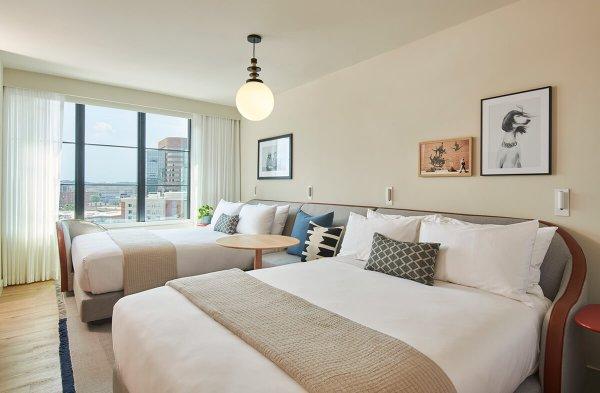Hotel queen beds Nashville